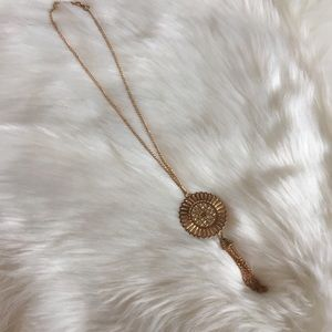 Jewelry - Nwot Gold long necklace